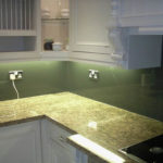 White kitchen splashback, Cowley